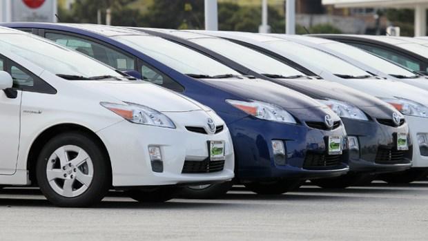 Video: Toyota llama a revisión autos Prius