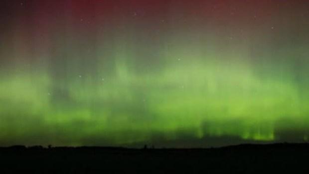 Video: ¡Increíble! Se pintó el cielo de colores