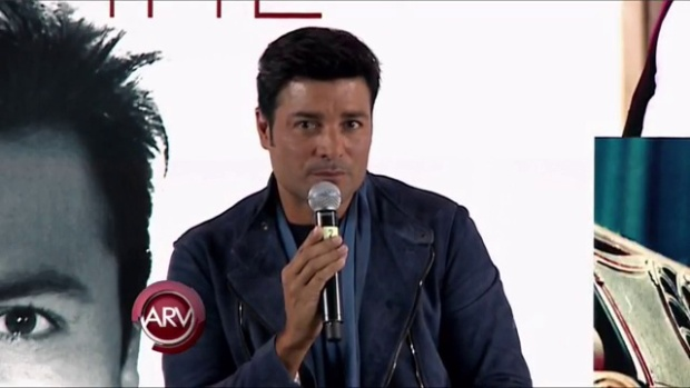Video: Chayanne recibe disco de oro en México