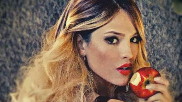 Video: Eiza González se burla de Miley Cyrus