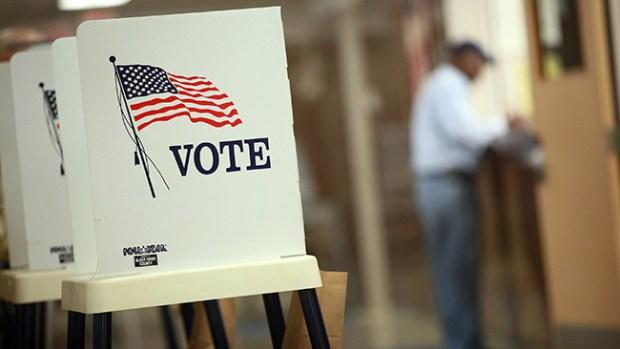 Video: Descontento entre votantes hispanos