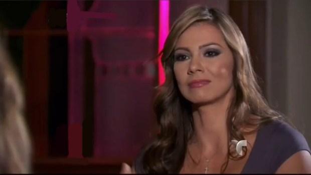 Video: Su esposo la motivó a ser estrella porno