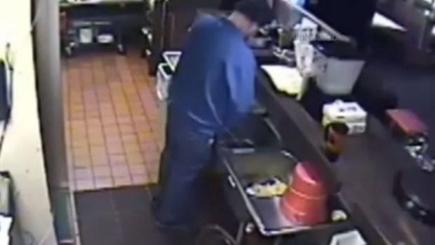 Video: Repugnante hallazgo en cocina Pizza Hut