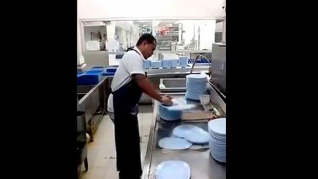 Video: El lavaplatos más rápido del mundo