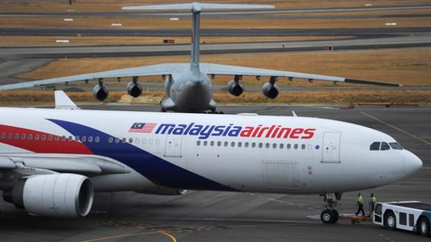 Video: Avión: mandan a familiares a sus casas