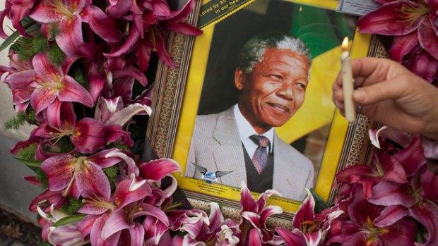 Video: Gran veneración tras muerte de Mandela