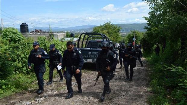 Video: México: Buscan estudiantes en fosas