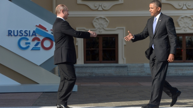 Video: Tenso saludo entre Obama y Putin