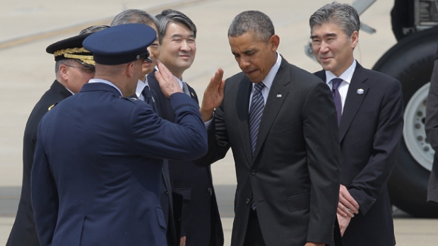 Video: Obama llega a Malasia en su gira asiática