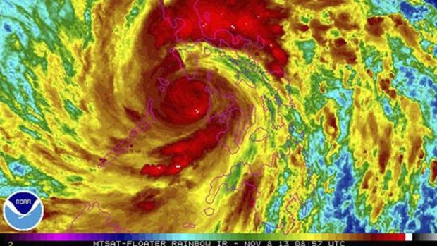 """Video: """"Súper tifón"""" se torna mortal en Filipinas"""