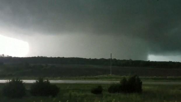[TLMD - LV] Monstruoso tornado captado en video en Kansas