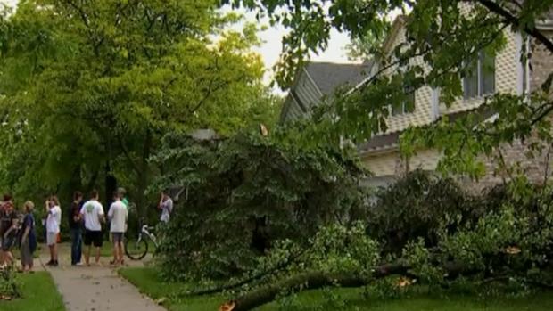 Dyer: residentes se recuperan tras el paso de un tornado