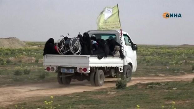[TLMD - LV] Familias huyen de la zona de guerra con ISIS