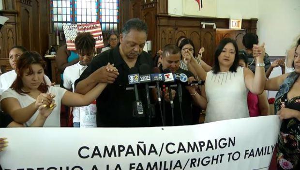 Iglesias en Chicago se movilizan para proteger a inmigrantes