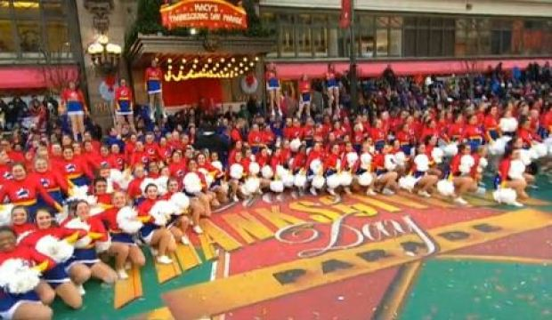 Video: Vientos no afectaron desfile de Macy's