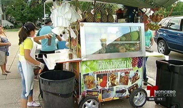 Vendedores de fruta denuncian acoso en Rogers Park