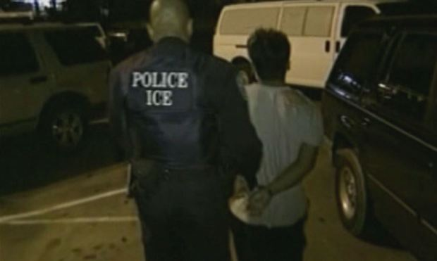 ICE dice que enviará más agentes a ciudades santuario