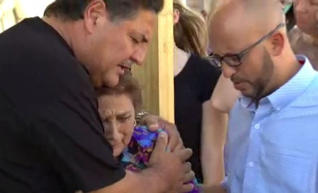 [TLMD - SA] Residentes lamentan masacre en iglesia de Texas