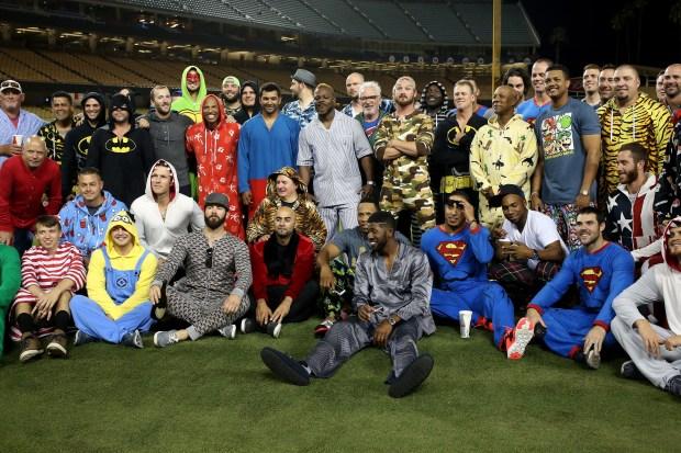 "Cubs celebran victoria con ""pijamada"""