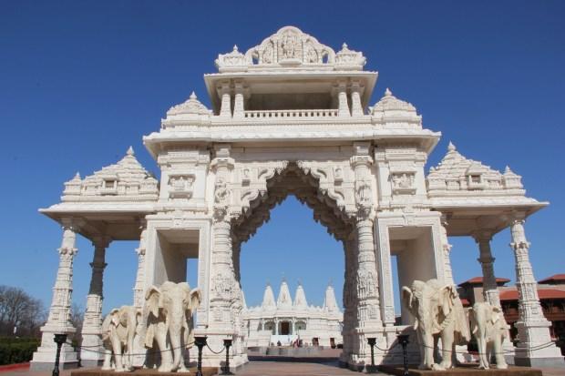 El majestuoso templo hinduista en las afueras de Chicago