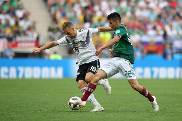 [World Cup 2018 PUBLISHED] Hirving Lozano cede balón a Miguel Layún que dispara desviado