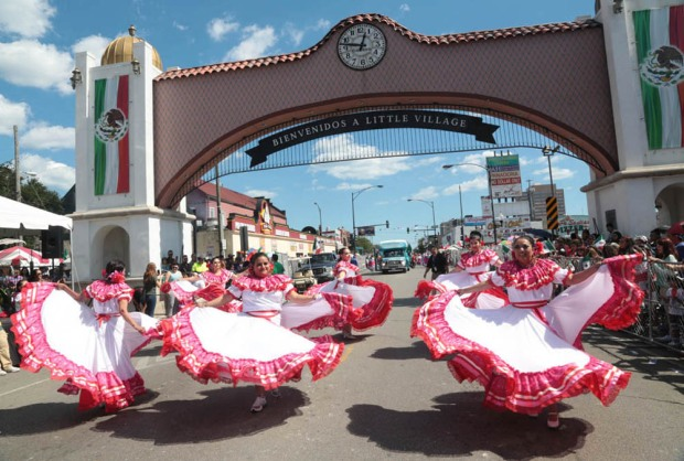 ¡Que Viva México desde La Villita en Chicago!