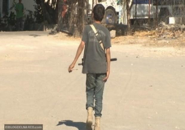 Video: Menor toma las armas contra Templarios