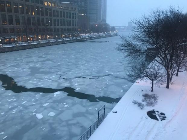 Bajo nieve: tus fotos de la tormenta invernal en Chicago