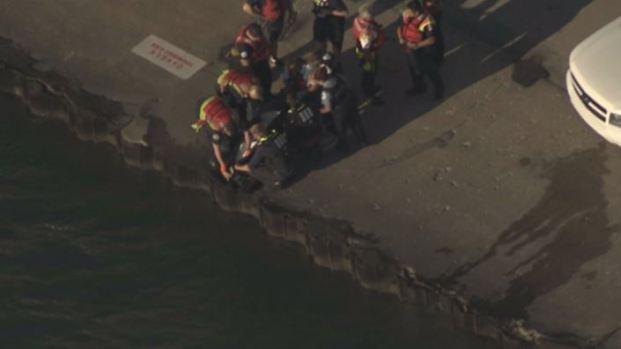 Rescatan cadáver en playa del Lago Michigan