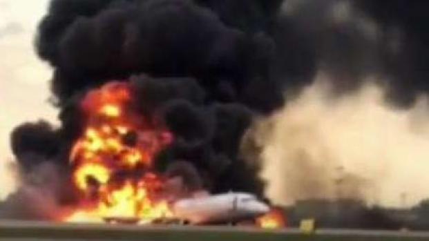 Investigan causas de la tragedia aérea en Moscú