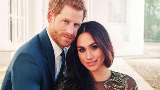 Boda real: Meghan usa vestido de $75,000 en fotos de compromiso
