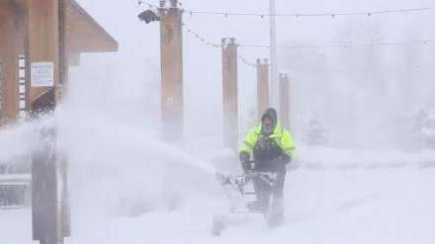 [TLMD - LV] Tormenta invernal causa estragos en el noroeste de EEUU