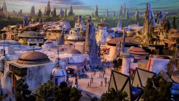 "Disney abrirá áreas temáticas de ""Star Wars"""