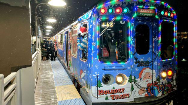Autobuses y trenes navideños ya circulan en Chicago