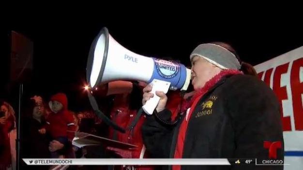 Distrito escolar en Addison, IL contempla irse a huelga