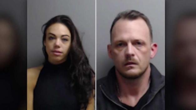 Arrestan a 2 personas por supuesto robo de correo en Oak Brook