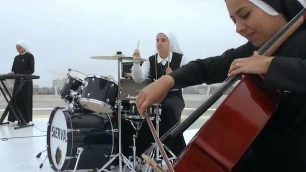 Conoce a las monjas que tocan Rock y Pop Latino
