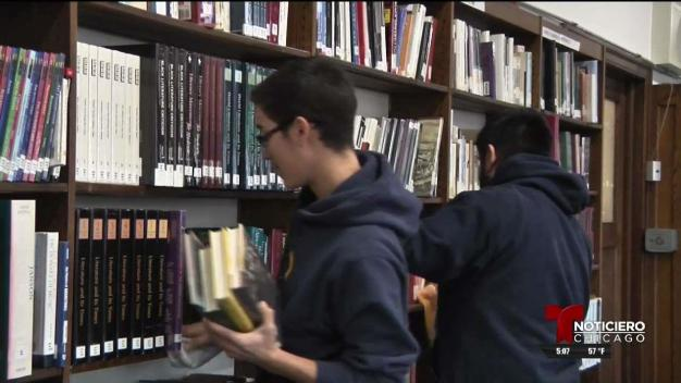 Estudiantes donan su tiempo como voluntarios