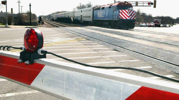 Tren Metra atropella y mata a hombre cerca de Elmwood Park