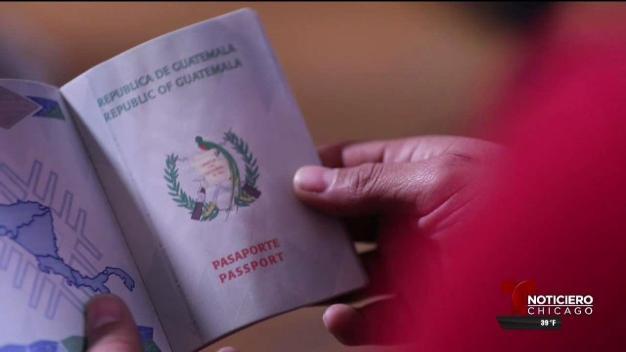 Guatemaltecos: larga espera para recibir sus pasaportes en el exterior