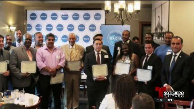 Programa de capacitación laboral para hispanos en Chicago
