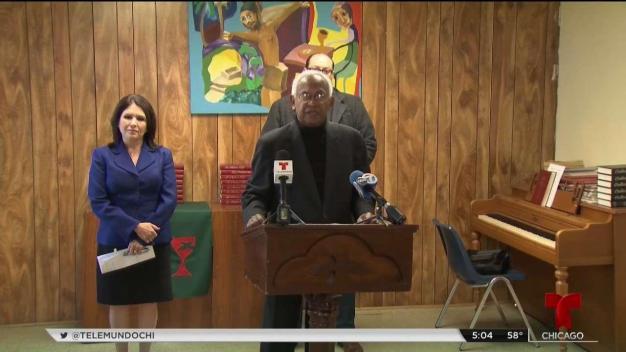 Pastores hispanos reaccionan a demanda contra campaña de Pritzker
