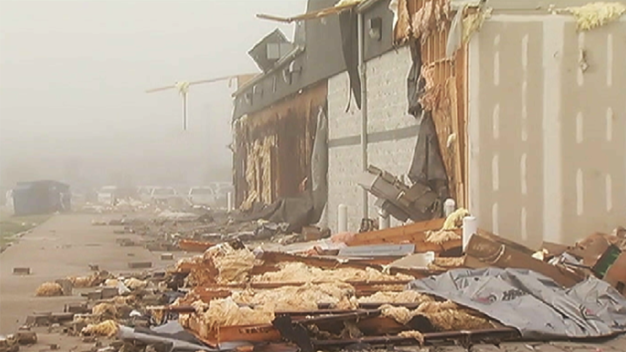 Devastación en Illinois tras paso de tornado EF-2