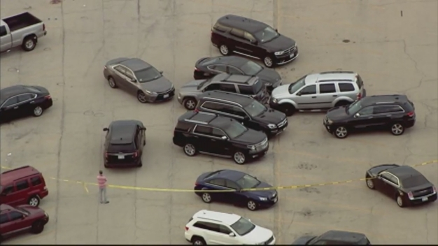 Estallan disparos cerca de centro comercial en Joliet