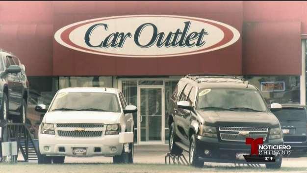 Responde ayuda a mujer con problemas al comprar auto usado
