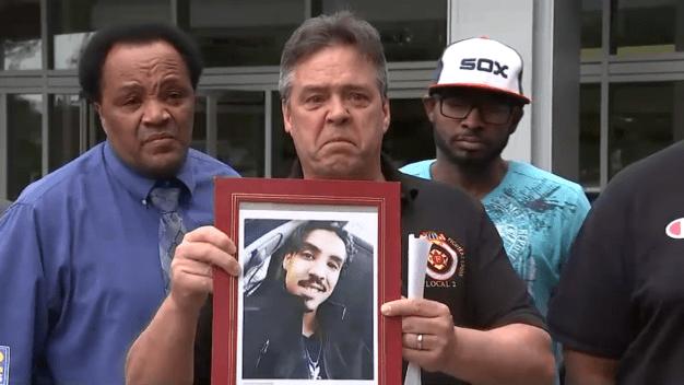Bombero de Chicago exige justicia tras el asesinato de su hijo