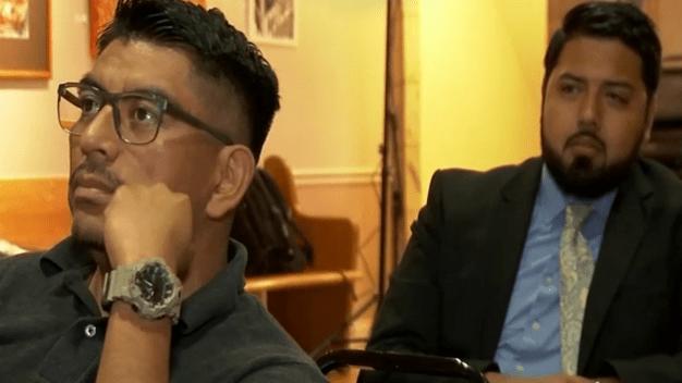 Comunidad en Pilsen reacciona al primer debate demócrata