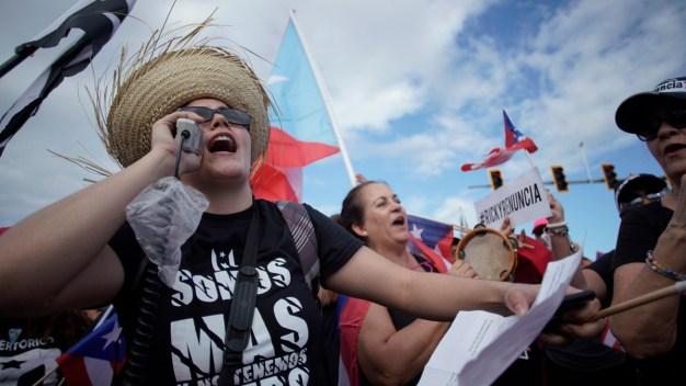 Crisis en Puerto Rico: miles salen a las calles