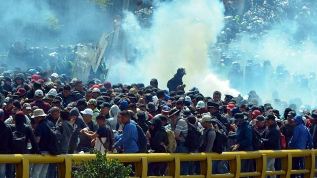 Policías capitalinos enfrentan a exagentes federales