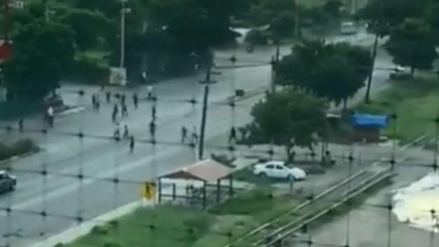 Se fugan entre 20 a 30 reos de prisión en Sinaloa